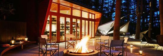 日本第一個充滿魅力的露營地點「虹夕諾雅 富士」,在這裡享受鮮美的山珍體驗套餐料理,「餐前時間」更可圍著營火而坐,溫暖地感受冬日森林的風情。